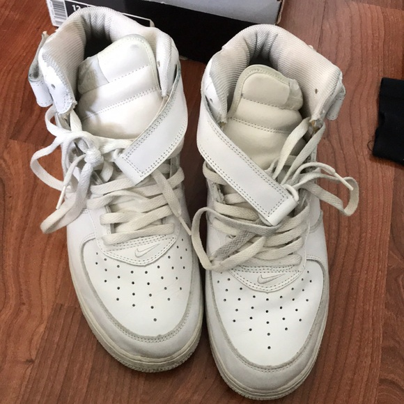 Old used Nike Air Force 1 all white